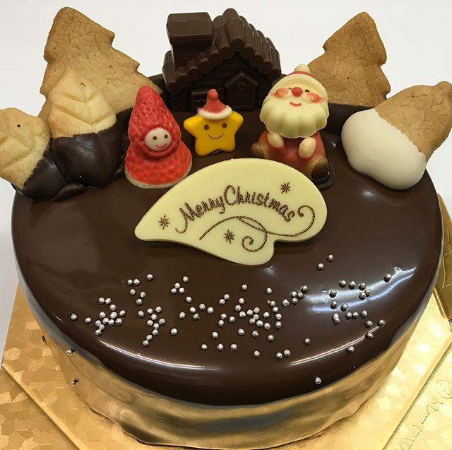 クリスマスケーキたくさんのご予約ありがとうございましたー楽しいクリスマスでしたでしょうか️ ご予約お受け出来なかった方本当に 申し訳ありませんでした来年は、お受けできるよう頑張ります来年もよろしくお願いします️info!! おっととと!あきらです。Tel.  0258-38-2002住所  新潟県長岡市四郎丸4-7-15  営業時間13時から20時定休日 水曜#おっとととあきらです #しあわせチョコケーキのお店 #長岡 #長岡市 #Nagaoka #Nagaokashi #お菓子 #スイーツ #スウィーツ #instafood #foodstagram #foodie #cake  #sweets #sweet #chocolare #ケーキ #バースデーケーキ #チョコケーキ #choco#手作りケーキ #誕生日プレゼント #プレゼント #デザート#チョコ#しあわせ#クリスマス #クリスマスケーキ#クリスマスチョコケーキ